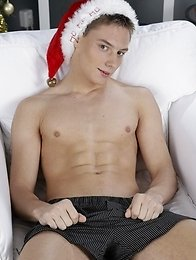 Raw: Heath Denson Gets The Valentino Treatment - Long & Hard!