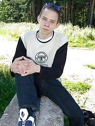 Teen boy wanks off in an abandoned house